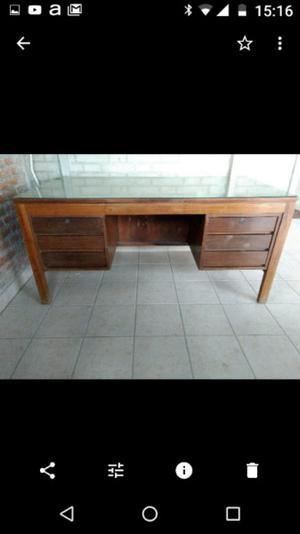 Vendo escritorio grande pesado seis cajones con llaves con