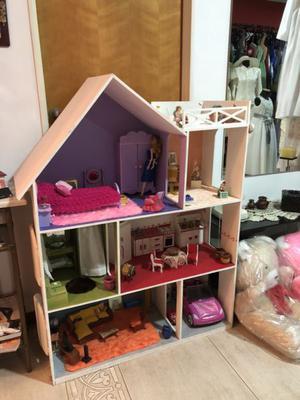 Casa de muñecas súper equipada
