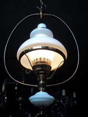 Antigua lámpara colgante Quinque, bronce. Antigua Saudade