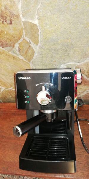 Maquina de Cafe Expreso casi nueva.