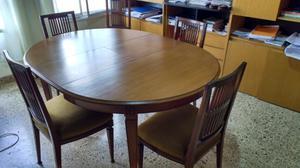 Mesa y sillas estilo inglés impecable