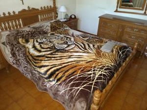 Vendo juego de dormitorio de cedro