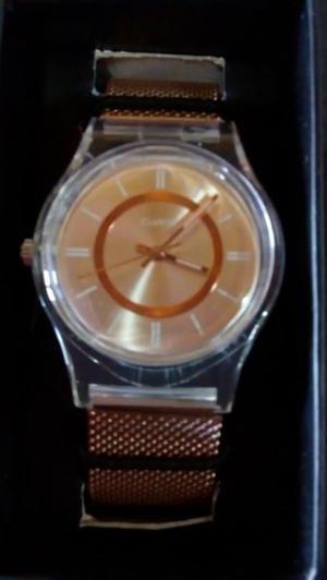 Vendo reloj nuevo sin uso, de mujer.