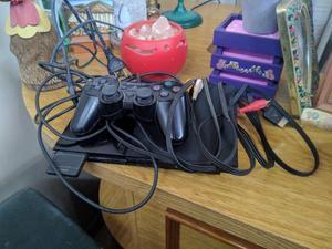 Vendo Playstation 2 en buen estado con 50 juegos