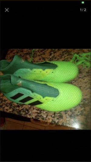 Botines Adidas talle 40