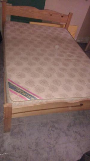 Cama de pino y colchón 2 plazas
