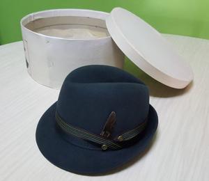 Sombrero de fieltro 56 cm, SIN USO