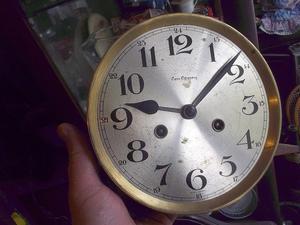 antigua maquina de reloj de pared escasany funcionando