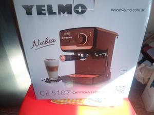 Cafetera Express Yelmo Ce usado en muy buen estado