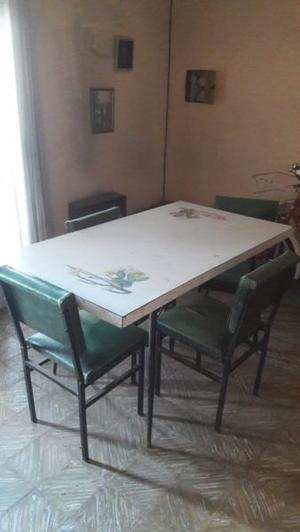 Mesa fórmica con 4 sillas