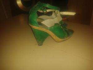 Sandalias de cuero usado en buen estado