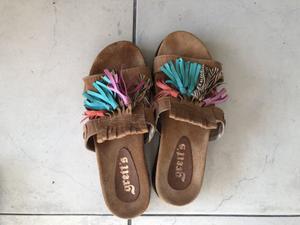 Sandalias de cuero, Greit's