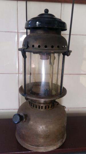 Farol antiguo a kerosene. No funciona.