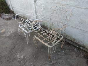 Sillones antiguos de jardín de hierro