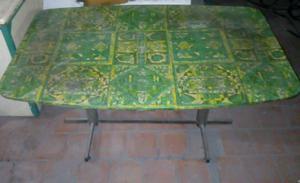 Vendo mesa con pie de aluminio