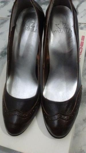 Zapatos color marrón