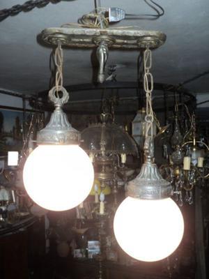 Antigua y magnífica lámpara colgante. Antigua Saudade