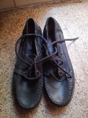 Zapatos náuticos colegiales