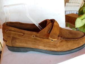 Lote de zapatos náuticos, cuero gamuza y cuero liso.