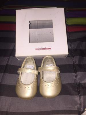 Zapatitos y zapatillas para bebé mujer $500 cada una