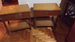Antiguas mesas de luz de roble estilo inglés