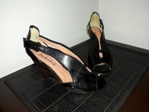 Vendo zapatos de cuero 36.usado