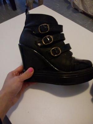 Botas con plataforma + zapatos taco chino. N 37