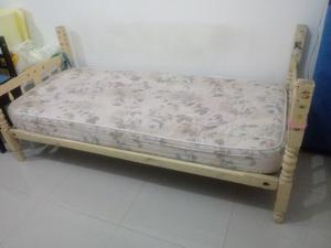 OFERTA $ cama y colchon de 1Plaza
