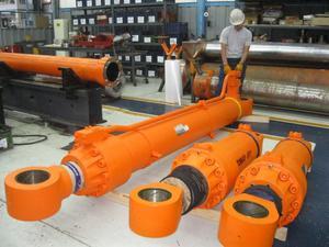 Reparaciones Cilindros Hidraulicos y Bombas