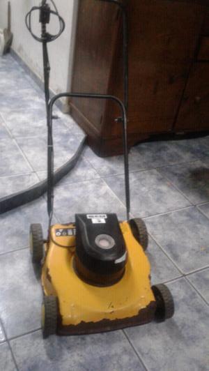 Vendo maquina de cortar césped de 3/4 hp