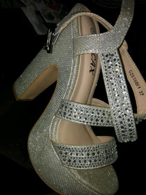 Vendo sandalia nro 37