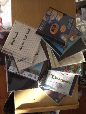 Caja De Cd Usada Para Artesanias $6