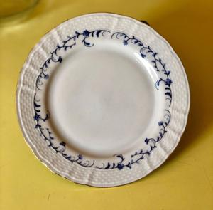 Platos postre de porcelana, Tsuji. 6 UNIDADES.