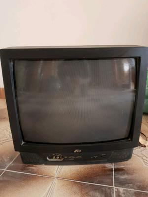 TV JVC con soporte