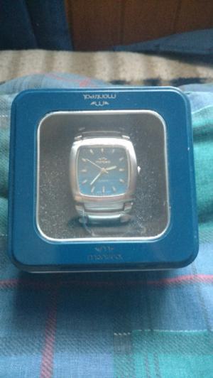 Vendo reloj montreal nuevo.