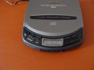 CD player Sanyo modelo CDP-67