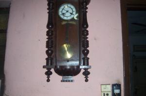 reloj antiguo de pared Funcionando