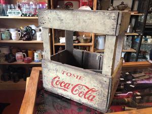 Antiguo cajón de Coca Cola en muy buen estado.