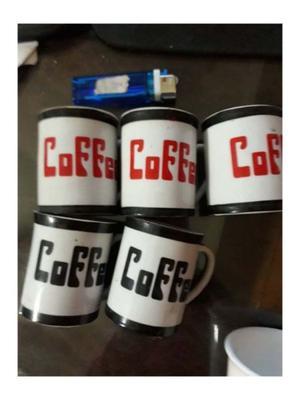 seis tacitas de cafe con o sin su plato