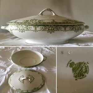 Antigua sopera-guisera de porcelana inglesa sellada LAWTON