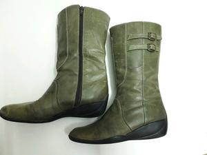 Botas de cuero verdes. Usadas Núm 36.