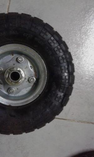 Tres ruedas neumaticas para carro o carreta