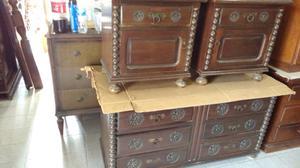 Antiguos muebles para dormitorio estilo colonial