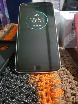 Vendo Moto Z Play 32 gb, libre de fabrica