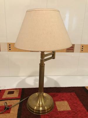 Vendo lampara para mesa de bronce
