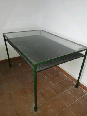 Vendo mesa de living o escritorio de vidrio
