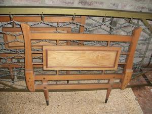 cama con carrito de estilo hierro macizo dorado y madera