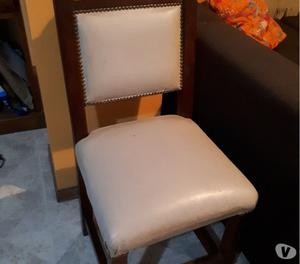 Se venden 6 sillas de algarrobo tapizadas