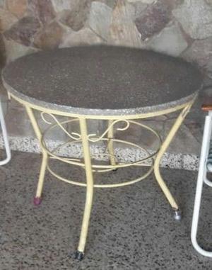 mesa redonda de granito