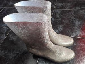 Vendo 1 par de botas Numero 40